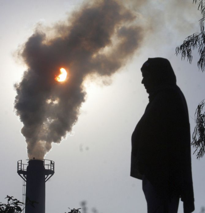 India News - Latest World & Political News - Current News Headlines in India - Choked! 2 Indians die every minute due to air pollution