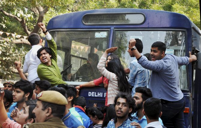 India News - Latest World & Political News - Current News Headlines in India - ABVP, AISA clash at DU College; many, including cops, injured
