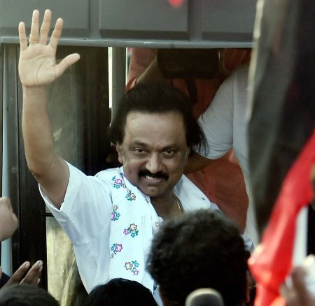 India News - Latest World & Political News - Current News Headlines in India - Protesting the trust vote, Stalin, DMK workers go on hunger strike