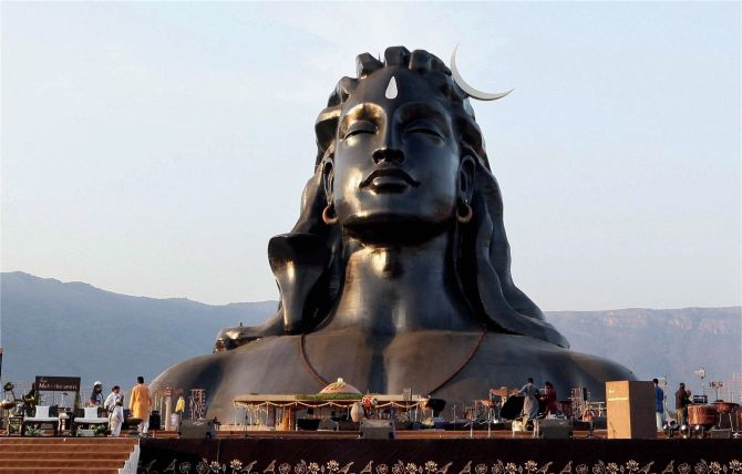 India News - Latest World & Political News - Current News Headlines in India - PM unveils 112-ft bust of 'Adiyogi' Shiva; extols Yoga