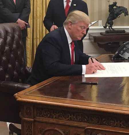 India News - Latest World & Political News - Current News Headlines in India - On Day 1 in office, Trump signs executive order against Obamacare