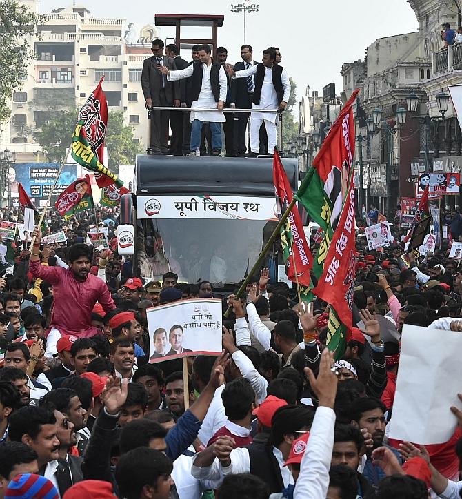 Akhilesh-Rahul bonhomie at Lucknow road show