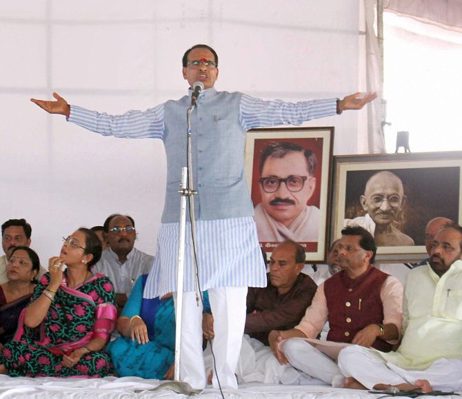 India News - Latest World & Political News - Current News Headlines in India - Shivraj Chouhan needs to get his act together fast