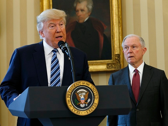 US Attorney General Sessions recuses himself from Russia probe