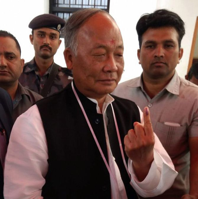 Manipur: NPP claims Cong faked support; Ibobi to quit