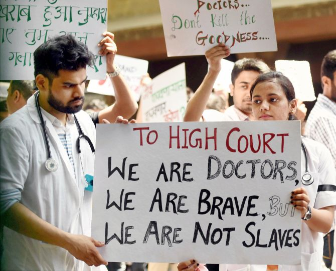India News - Latest World & Political News - Current News Headlines in India - Maharashtra: IMA calls off strike, but no clarity on 4,500 resident doctors