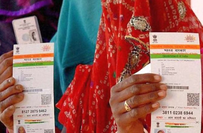 India News - Latest World & Political News - Current News Headlines in India - SC says Aadhaar can't be made compulsory for welfare schemes