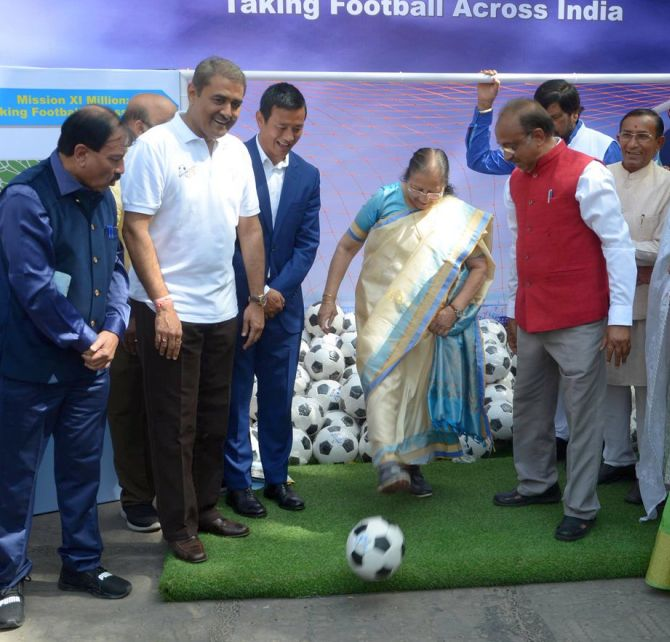 India News - Latest World & Political News - Current News Headlines in India - PHOTOS: When our MPs bent it like Beckham!