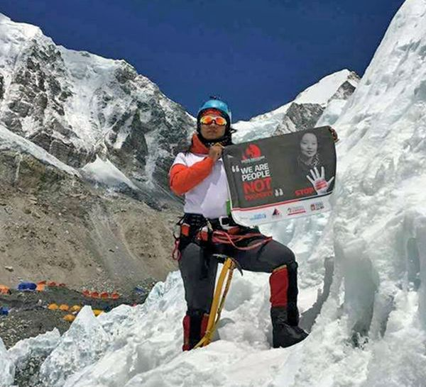 India News - Latest World & Political News - Current News Headlines in India - Nepali woman scales Mount Everest with anti-trafficking message
