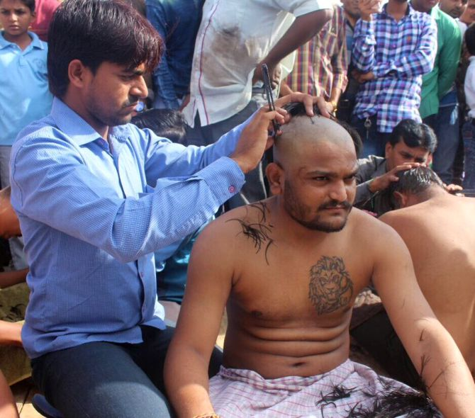 India News - Latest World & Political News - Current News Headlines in India - Ahead of PM's Gujarat visit, Hardik Patel tries to kick up a dust, shaves head