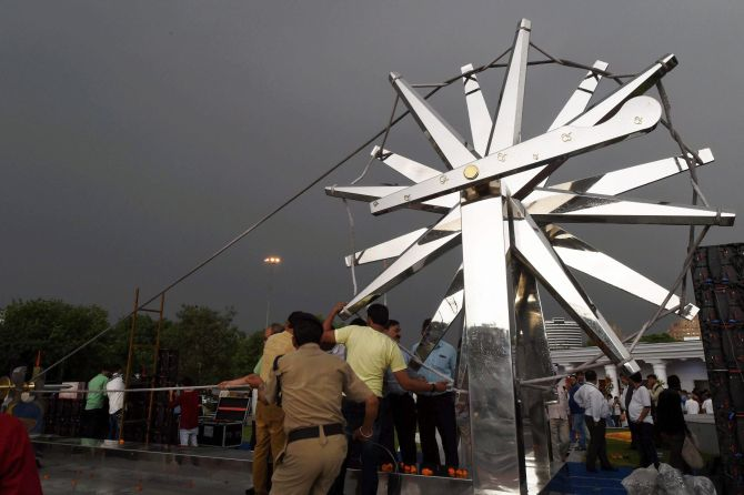 India News - Latest World & Political News - Current News Headlines in India - PHOTOS: Delhi gets another giant charkha