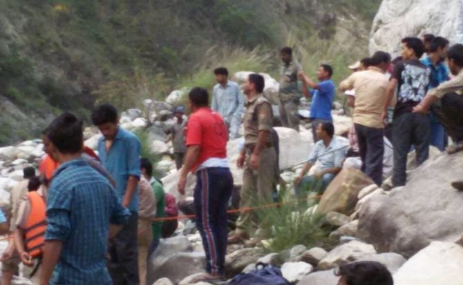India News - Latest World & Political News - Current News Headlines in India - 13 killed as bus with pilgrims falls into Bhagirathi river
