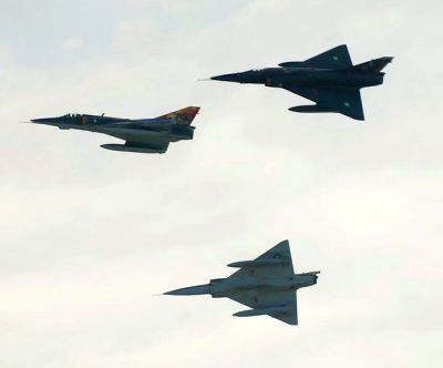 India News - Latest World & Political News - Current News Headlines in India - Pak jets fly near Siachen, IAF says no violation of India's air space
