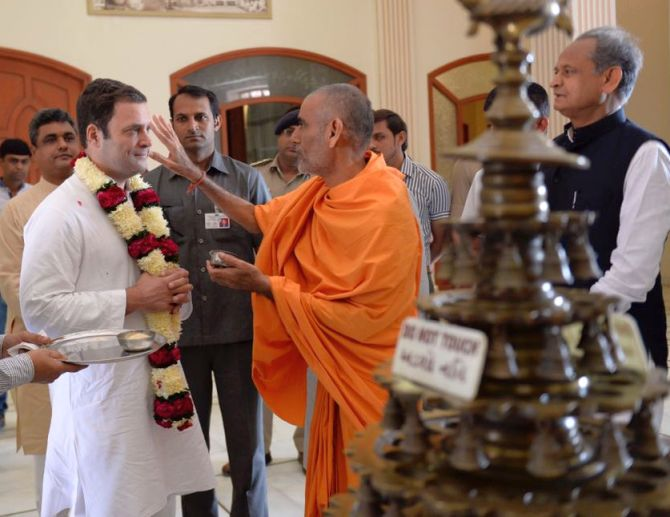 Rahul Gandhi began his campaign for the assembly election in north Gujarat with a visit to the Akshardham temple in Gandhinagar, November 11, 2017.