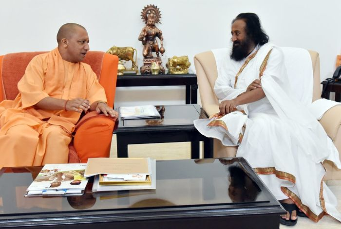 India News - Latest World & Political News - Current News Headlines in India - Sri Sri meets Adityanath day before visiting Ayodhya