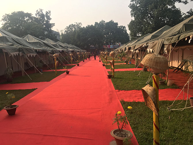 Tents for tourists at Sonepur Mela