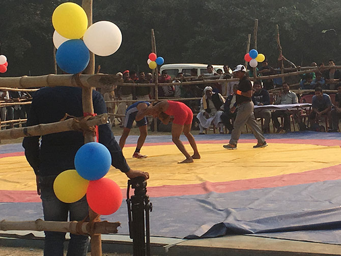 Wrestling match at the fair