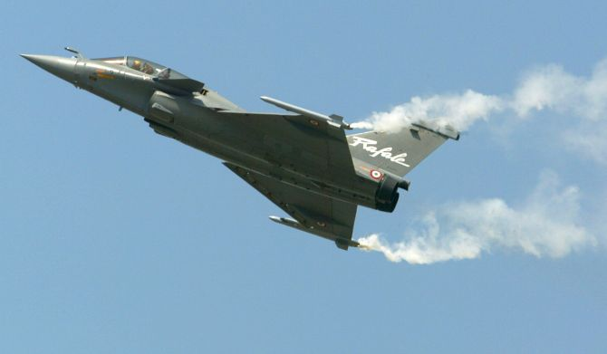 India News - Latest World & Political News - Current News Headlines in India - 4 puzzling questions about the Rafale deal