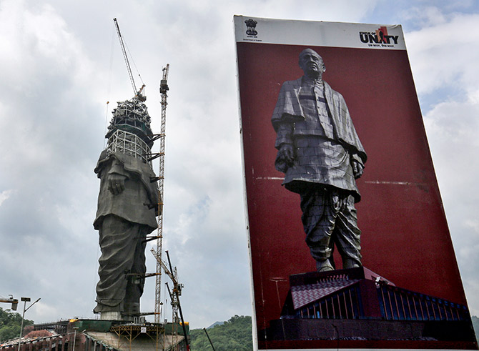 c38974615 IMAGE: Progress on what is set to be the world's tallest statue is nearing  completion, with construction workers reaching waist height of the monument.