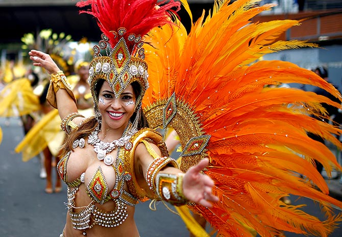 India News - Latest World & Political News - Current News Headlines in India - PHOTOS: The Carnival comes to London!