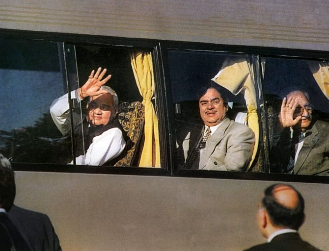 India News - Latest World & Political News - Current News Headlines in India - Why did Vajpayee's bus diplomacy fail?