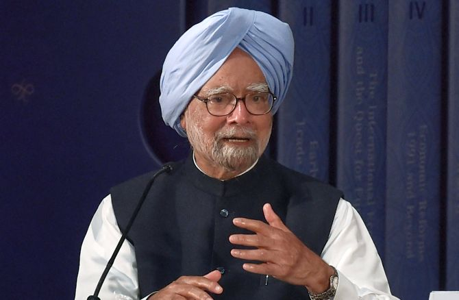Wasn't the PM afraid of talking to the press: Manmohan's swipe at Modi