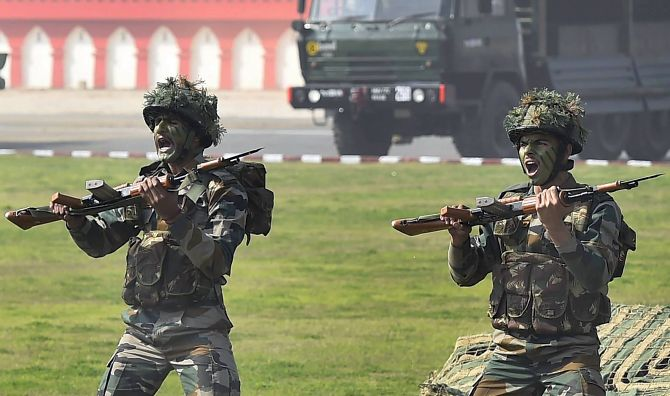 India News - Latest World & Political News - Current News Headlines in India - Govt clears Rs 3547 cr proposal to buy 72, 000 rifles