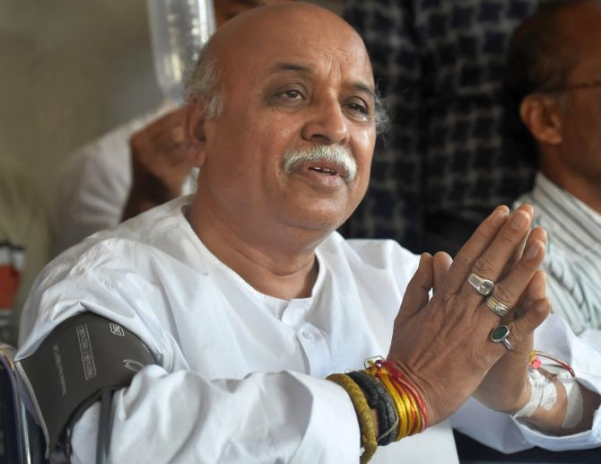 India News - Latest World & Political News - Current News Headlines in India - VHP's Togadia alleges plot to kill him; Congress seeks probe