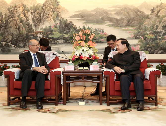 Vijay Gokhale with Xia Baolong, then Communist party secretary, Zhejiang. Photograph: Kind courtesy The Indian Consulate, Shanghai