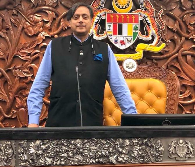 India News - Latest World & Political News - Current News Headlines in India - Tharoor stands by 'Hindu Pak' remark; Cong urges caution, BJP seeks apology