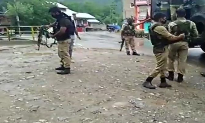 India News - Latest World & Political News - Current News Headlines in India - LeT attacks CRPF team in Anantnag, 2 jawans dead