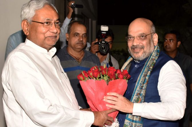 India News - Latest World & Political News - Current News Headlines in India - Nitish, Shah display bonhomie to dispel seat-sharing rumblings