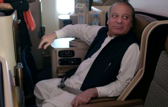 India News - Latest World & Political News - Current News Headlines in India - Pak media slams authorities over confusion after Sharif's arrest