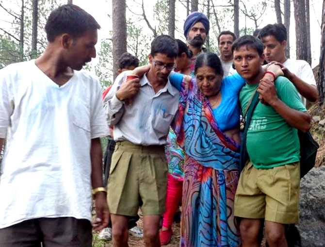 RSS workers helping during a national calamity