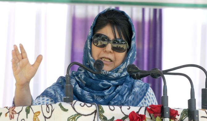 India News - Latest World & Political News - Current News Headlines in India - Mehbooba to Centre: Break PDP, face dangerous consequences like 1987