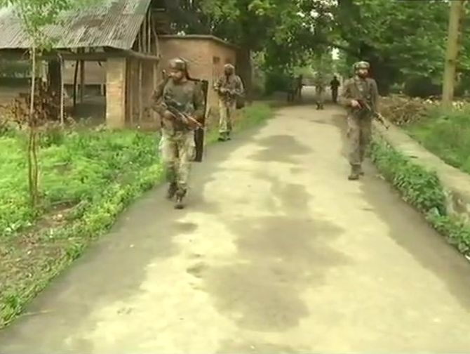India News - Latest World & Political News - Current News Headlines in India - 3 terrorists killed as army foils infiltration bid in J & K's Macchil sector