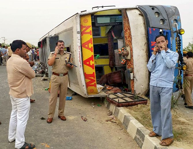 India News - Latest World & Political News - Current News Headlines in India - 17 killed after bus overturns in UP's Mainpuri