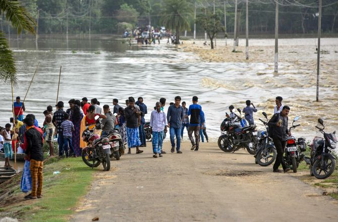 India News - Latest World & Political News - Current News Headlines in India - 17 die in NE flood; situation grim in Assam