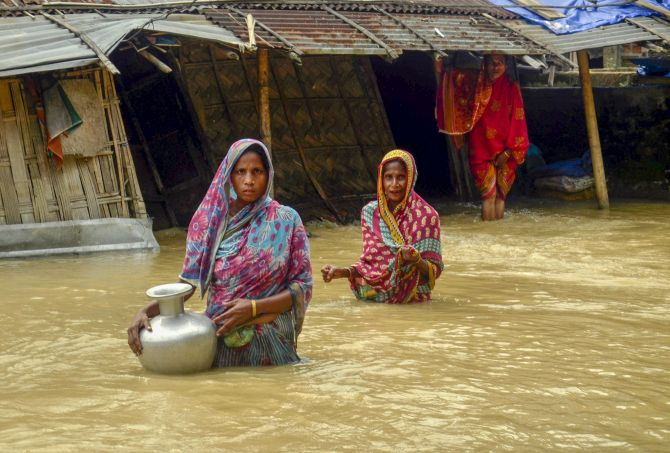 India News - Latest World & Political News - Current News Headlines in India - Flood situation worsens in Assam, 4.5 lakh people affected