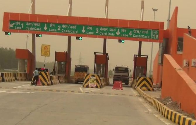 India News - Latest World & Political News - Current News Headlines in India - In Yogi Adityanath's UP, now toll plaza turns saffron