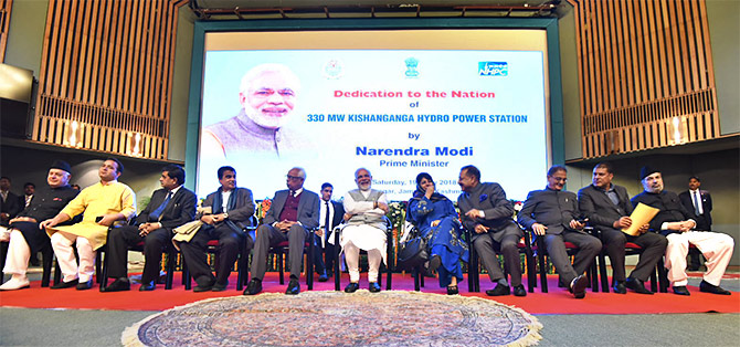 Prime Minister Narendra D Modi dedicates the 330 MW Kishanganga hydropower station to the nation at the Sher-i-Kashmir International Conference Centre in Srinagar, May 19, 2018. Photograph: Press Information Bureau