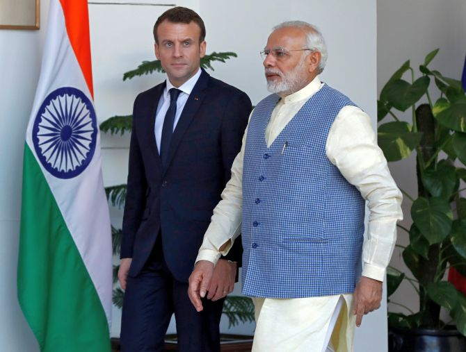 India News - Latest World & Political News - Current News Headlines in India - Advantage lies with France's Macron