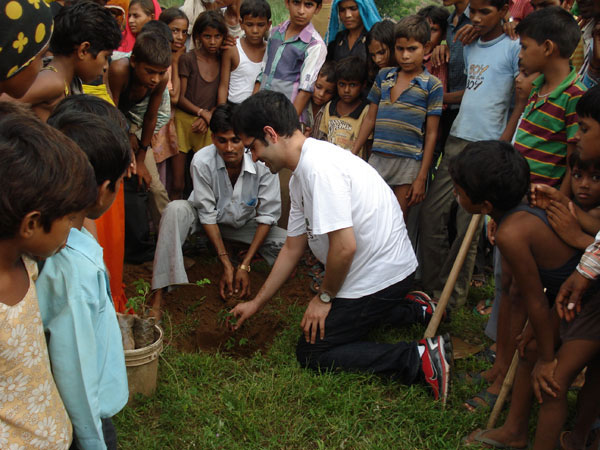 Kunal Shah, Co Founder, Grow Trees planting saplings