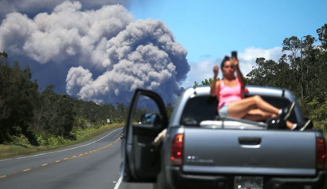 India News - Latest World & Political News - Current News Headlines in India - PHOTOS: Taking selfies with the Hawaii volcano
