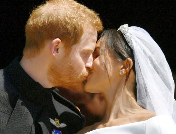 India News - Latest World & Political News - Current News Headlines in India - Sealed with a kiss! Harry and Meghan are husband and wife
