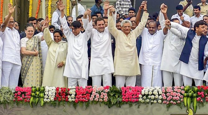Sonia and Rahul Gandhi with Opposition leaders at H D Kumaraswamy's swearing in as Karnataka chief minister, May 23, 2018. Photograph: Shailendra Bhojak/PTI Photo