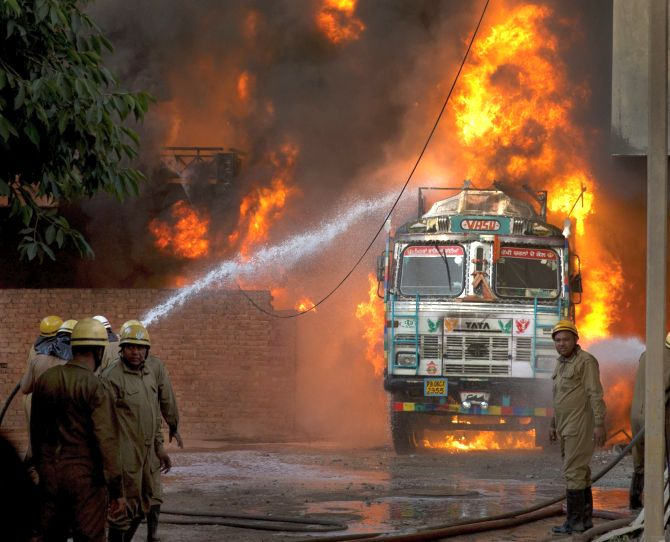 iaf helps in dousing malviya nagar fire  godown owner