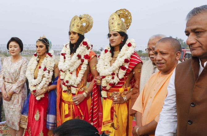 Yogi Adithyanath close on heels of renaming Allahabad & Faizabad Dist