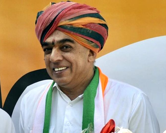 Raj poll: Congress fields Jaswant Singh's son against Vasundhara Raje