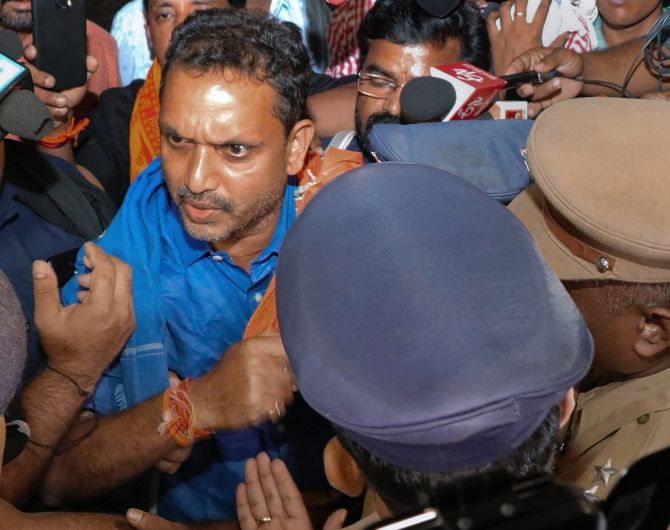 Sabarimala: BJP workers block highways to protest leader's arrest